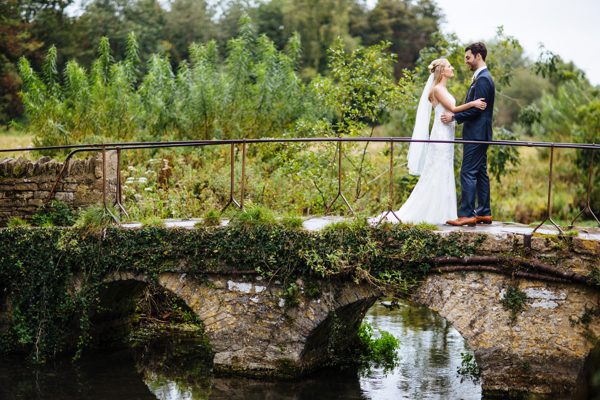 stone-barn-cotswolds-wedding